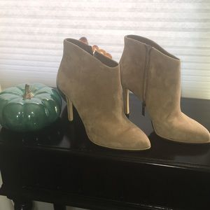 ❤️ Vince camuto suede boots ❤️
